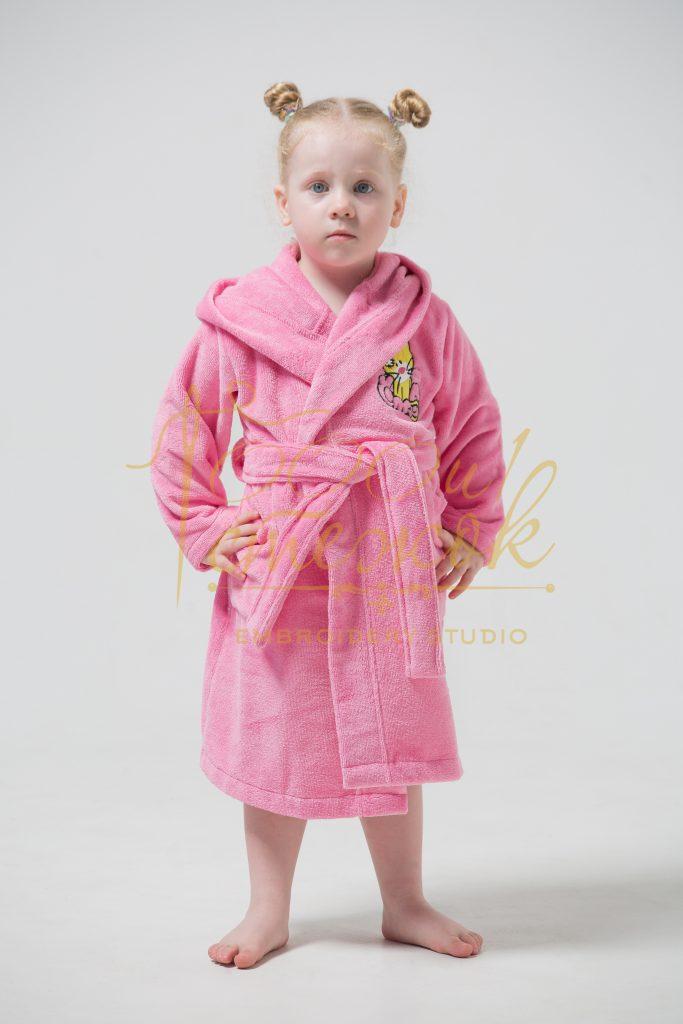 Детский халат с капюшоном «Малыш» категории «Премиум Турция» с именной вышивкой (Розовый)